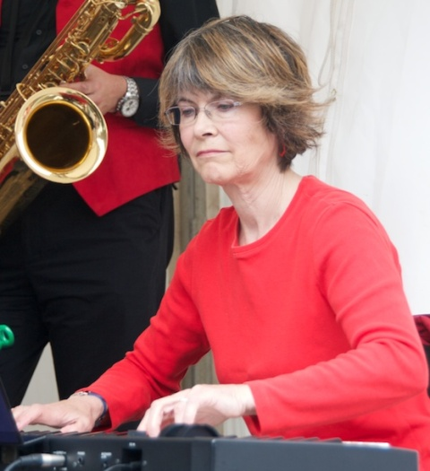 Lesley Vernon - Keyboards